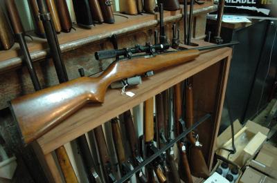 ITHACA GUN MOD X15 AVEC LUNETTE 4X20 CAL 22LR AU PRIX DE 180.00€